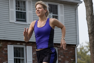 One Short, Brisk Walk a Day May Keep Arthritis at Bay